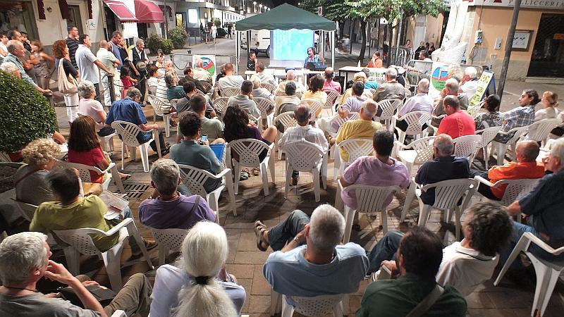 Venturina tanta gente all assemblea sulla tirrenica for Gente settimanale sito